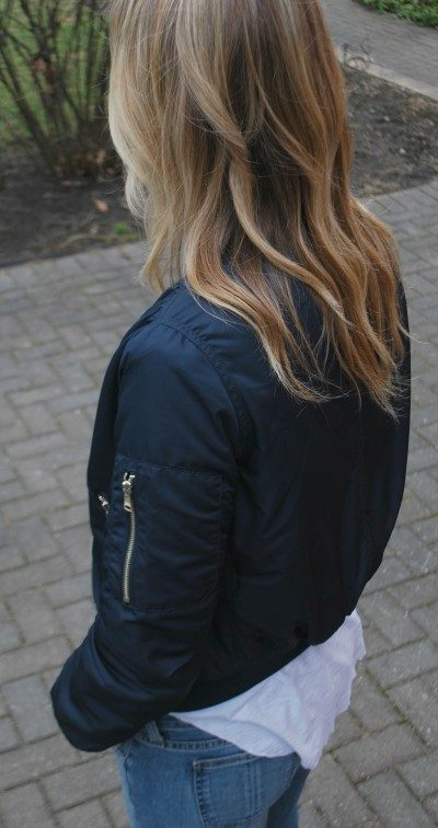 Navy bomber jacket B