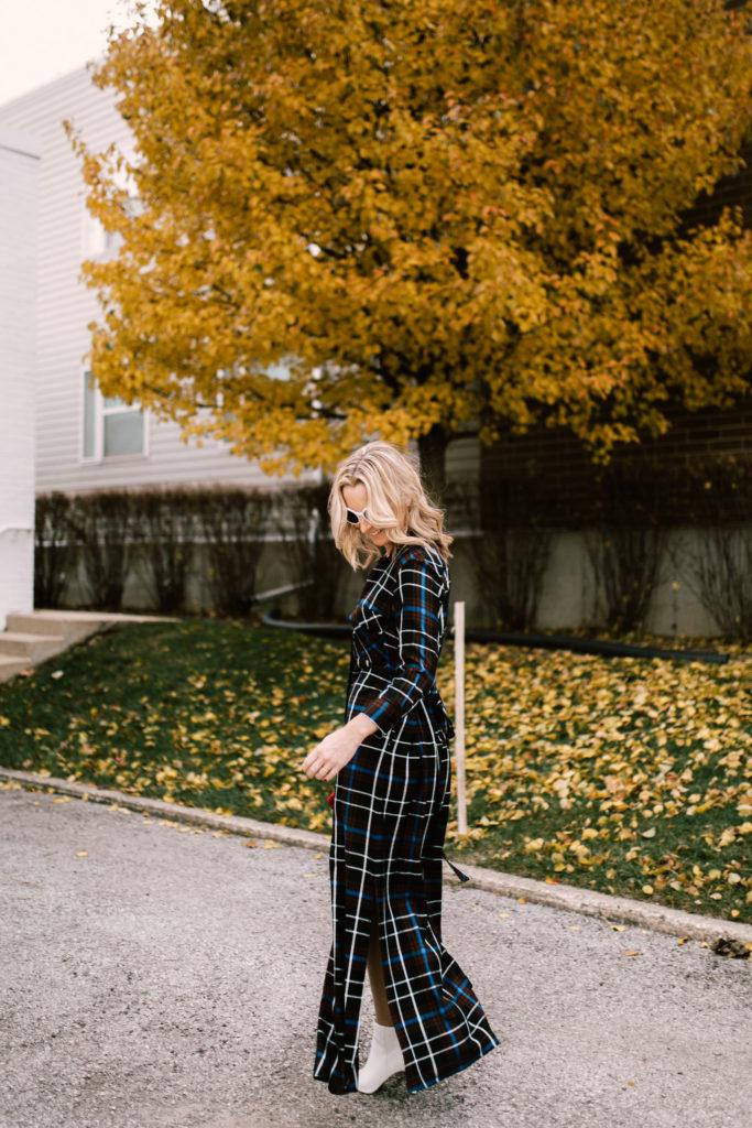 how to wear a plaid maxi dress