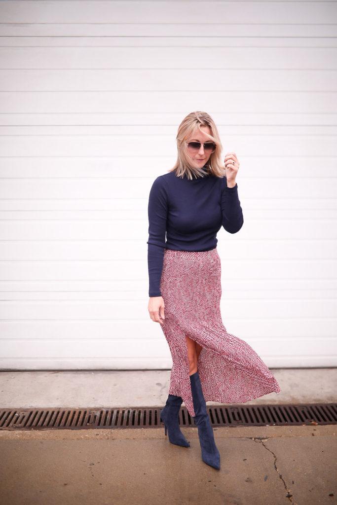 Comment coiffer une jupe longue avec des bottes